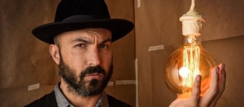 Maccio Capatonda presenta Mariottide: «Sono un eroe post-modesto ... - vanityfair.it