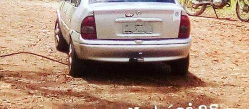 Veículo da vítima em zona rural (Foto: Plantão PG Notícias)