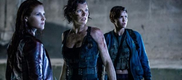 Alice blasts Umbrella agents in brutal new Resident Evil: The ... - blastr.com