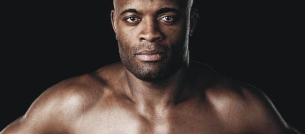 Anderson Silva volta a lutar no próximo sábado, contra Derek Brunson (Foto: Blog do Raoni)