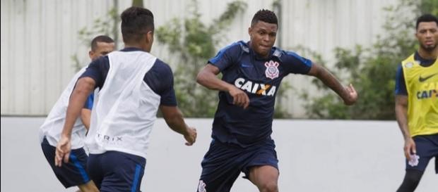 Bruno Paulo foi relacionado e pode fazer sua estreia oficial pelo clube - com.br