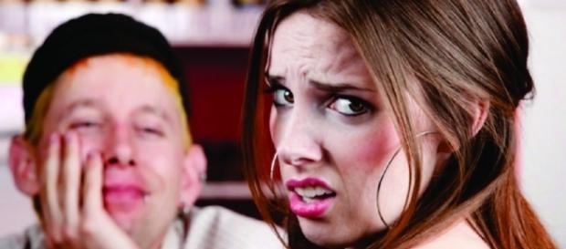 Coisas que os homens fazem que afastam as mulheres