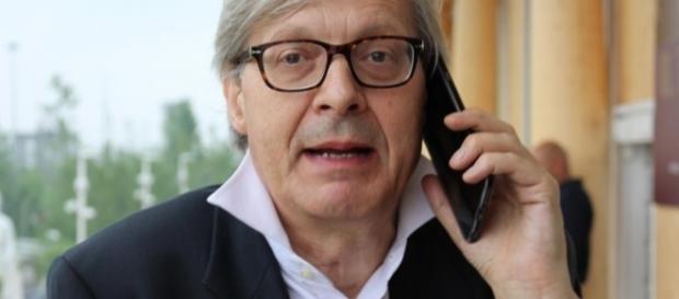 Sgarbi contro Grillo: telefonata sprezzante sulla Raggi