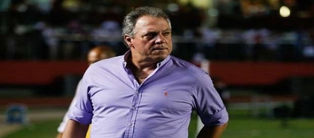 Técnico do Fluminense, Abel Braga levará time misto para jogo contra o Inter, em Porto Alegre, pela Copa da Primeira Liga (Foto: Arquivo)