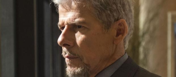 Tião continuará vivo na trama das nove e aprontará muitas maldades