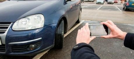 i-Ticket, l'application qui rémunère les personnes qui dénnonçent les stationnements illégaux