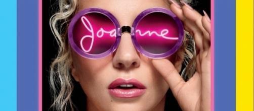 il poster pubblicitario del Joanne World Tour