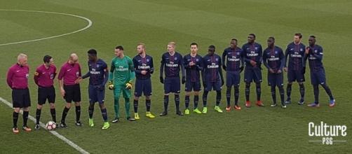 Krychowiak disputando un partido con el filial del PSG