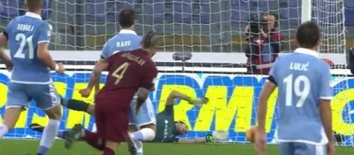 Radja Nainggolan in goal nel derby