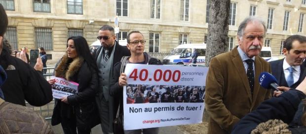 Amal Bentoussi porte parole UNPA, les députés Noël Mamère, Pouria Amirshahi : Non au permis de tuer