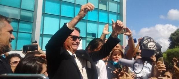 Bolsonaro já foi recebido da mesma forma em outros aeroportos brasileiros