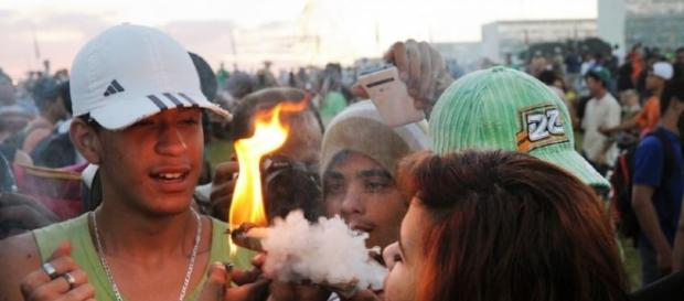 Legalização das drogas gera opiniões extremamente divergentes.