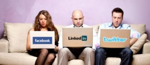 La mitad de los usuarios de redes sociales en Latinoamérica las ... - managementjournal.net
