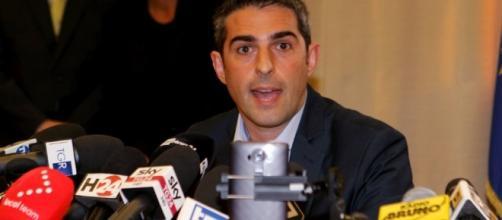 M5S contro Pizzarotti - repubblica.it