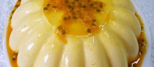 Mousse de maracuja com gelatina ou suco