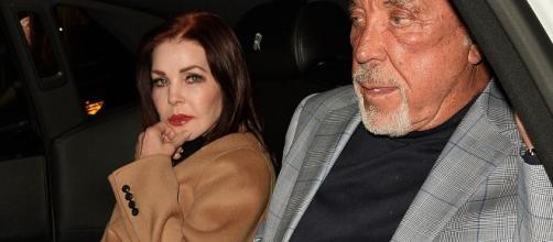 Tom Jones is dating Elvis' ex Priscilla Presley a year after his ... - irishmirror.ie