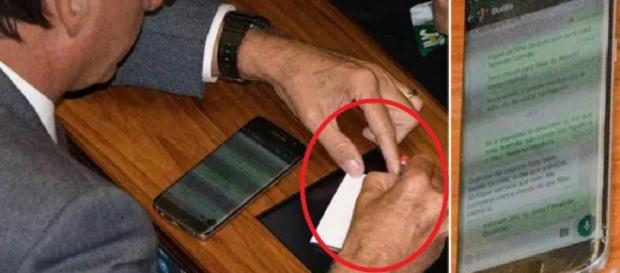 Jair Bolsonaro é flagrado no WhatsApp - Imagem/Lula Marques/Facebook