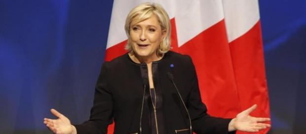 Marine Le Pen: Francia fuori dall'Unione Europea e dalla Nato