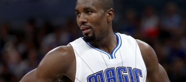 Serge Ibaka podría volver a jugar con James Harden en los Rockets. Foto: Getty Images