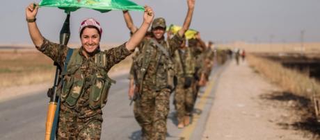 L'avanzata su Raqqa della componente kurda delle Forze Democratiche Siriane.