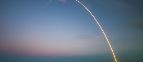 SpaceX wins Air Force contract for GPS III satellite launch [Image: Pixabay.com]