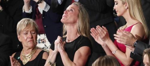 Tearful widow of Navy SEAL brings Congress to its feet - com.au