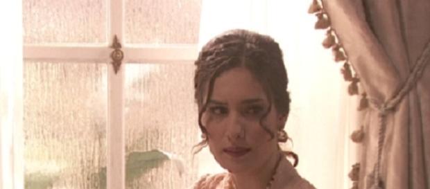 Camila è interpretata dall'attrice Yara Puebla