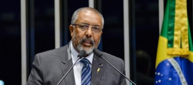 Paulo Paim pede apoio à criação de uma CPI da Previdência Socia