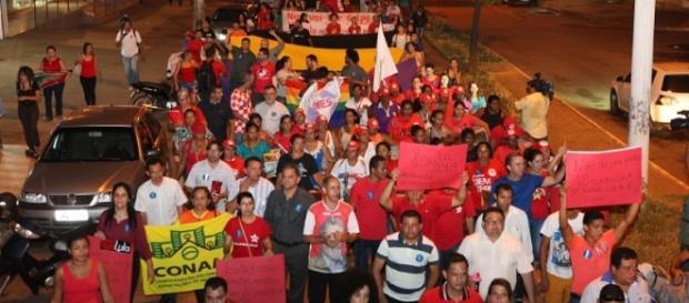 Petistas podem ir às ruas conforme ordem do partido