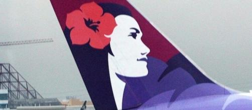 Hawaiian Airlines plane diverted over blanket row - BBC News - bbc.com
