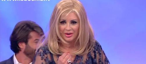 Tina Cipollari ha dovuto rasare a zero i capelli: il ...