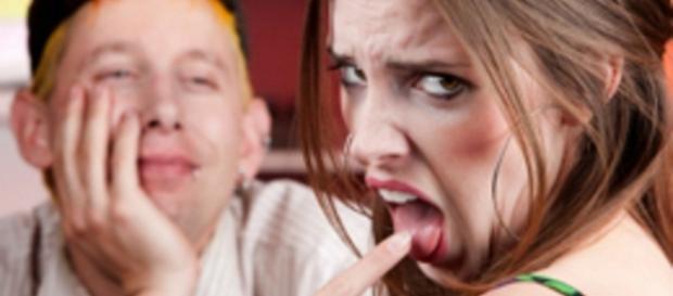 Algumas atitudes dos homens que as mulheres detestam