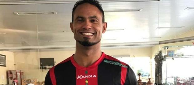 Boa Esporte Clube assinou com o goleiro Bruno