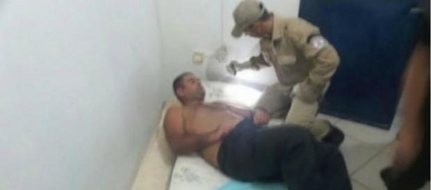 Guardas foram encontrados drogados e algemados
