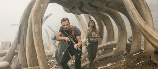 Kong: Skull Island' With Tom Hiddleston, Brie Larson & Samuel L ... - theplaylist.net