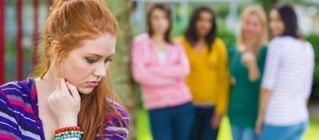 Se você não consegue ter amizades longas, talvez seja por causa desses hábitos