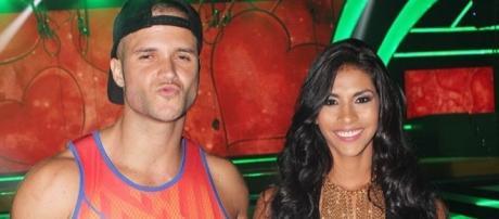 FOTOS] Critican a Fabio y Ámbar por imágenes hot – Noticias de ... - tawi.pe