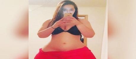 Mulher com bumbum gigante chama a atenção na web e viraliza
