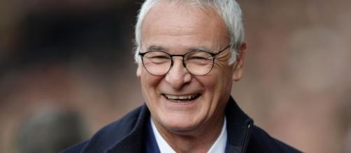 Claudio Ranieri aspetta una panchina dopo l'esonero al Leicester