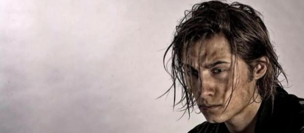 Koh-Lanta : Denis Brogniart agacé par Dylan ? | Non Stop People - non-stop-people.com