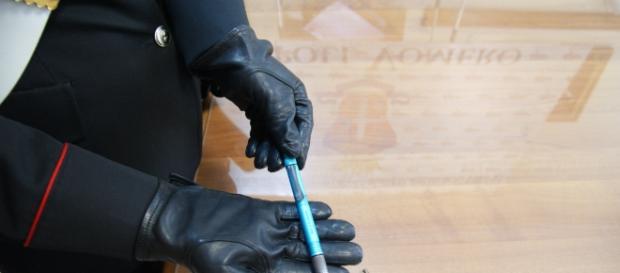 Napoli, fisioterapista raccoglie penna e viene colpito da un proiettile