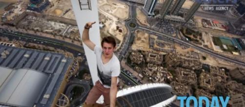 La guida per sopravvivere ai selfie: quando la vita vale più di un ... - today.it