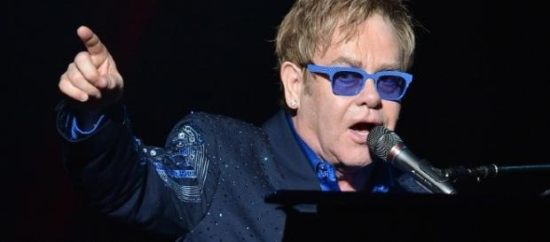 Elton John fará quatro shows entre março e abril