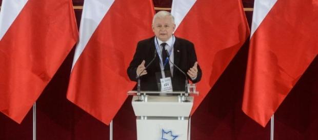 """Kaczyński chciałby krzyczeć: """"Ratujcie! Niemcy mnie biją"""""""