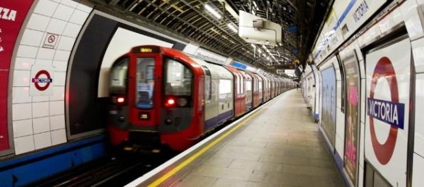Pioneering OOH Going underground – what can the Tube tell us about ... - pioneeringooh.com