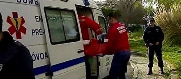 Quando os socorristas chegaram ao local encontraram o bebé em paragem cardiorrespiratória
