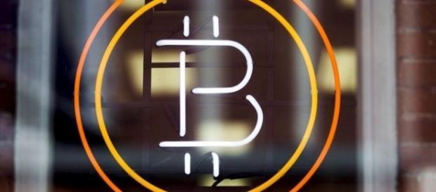 U.S. regulators reject Bitcoin ETF, digital currency plunges – Metro - metro.us