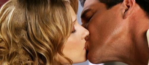 Após discutirem por uma receita, Ernesto e Lorena se beijarão (Foto: Reprodução)
