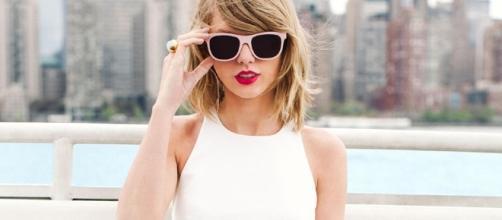 O site TMZ disse que Taylor Swift já preencheu a papelada para ter uma plataforma multimídia