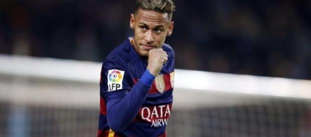 Dores na perna deixam Neymar de fora de jogo e treino do Barcelona